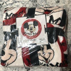 NWT Disney Mickey Mouse Club Fleece Throw